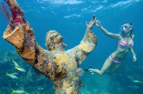 John Pennekamp Statue Christ for diving and snorkeling